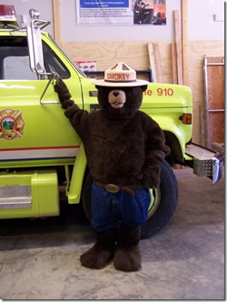 Smokey visits station